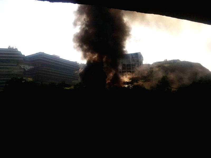 Fire broke out at Chitra studio in Powai area of Mumbai on Dec. 6, 2014. Five fire tenders have been rushed to the spot.