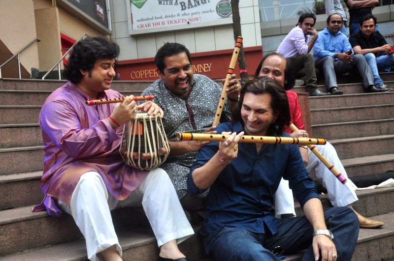Flute player Ronu Majumdar, Tabla player Aditya Kalyanpur, Bollywood singer Shankar Mahadevan and Santoor player Rahul Sharma during the announcement of Swaranjali 2015 a three days music ... - Rahul Sharma