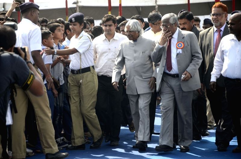 Former President of India A. P. J. Abdul Kalam arrives to attend Indian Science Congress in Mumbai, on Jan 4, 2015.