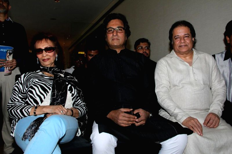Ghazal singers Talat Aziz, Chitra Singh and Bhajan singer Anup Jalota, during the announcement of Ghazal Day musical concert, a tribute to Gazal singer Jagjit Singh on his birth anniversary, . - Chitra Singh