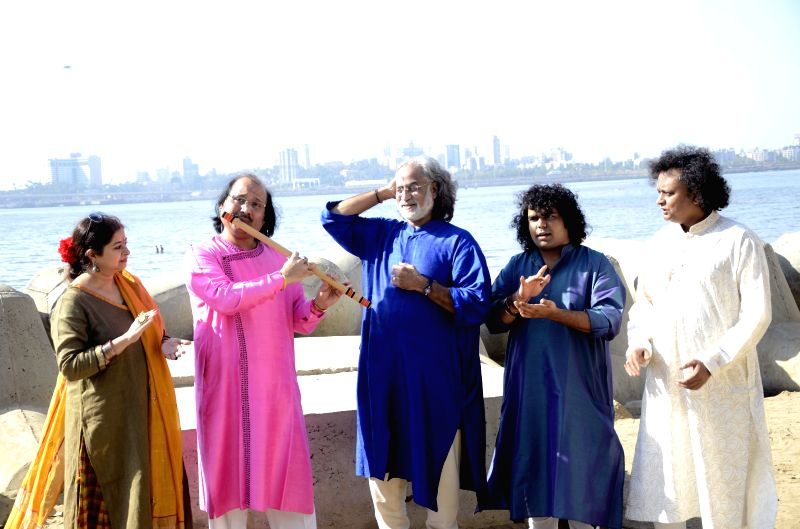 Grammy award winner and inventor of Mohan Veena Pandit Vishwamohan Bhatt, vocalist Rekha Bhardwaj, flautist Pandit Ronu Majumdar, Kathak exponent Pandit Deepak Maharaj and Tabla player ... - Rekha Bhardwaj