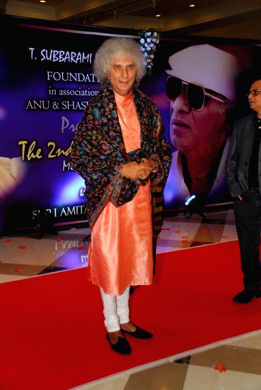 Hindustani classical singer Pandit Jasraj arrives to attend the second Yash Chopra Memorial Award which was given to Amitabh Bachchan by the Governor of Maharashtra C Vidyasagar Rao in ... - Amitabh Bachchan and C Vidyasagar Rao