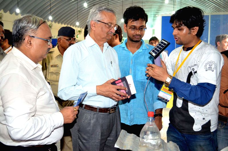 Indian nuclear scientist Anil Kakodkar addresses during inauguration of Innovation Festival-2015 at Nehru Science Centre in Mumbai, on March 27, 2015.