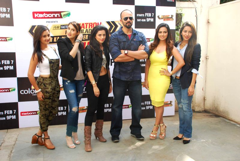 Khatron Ke Khiladi: Darr Ka Blockbuster Returns team with filmmaker Rohit Shetty during the launch of Colors TV show Khatron Ke Khiladi: Darr Ka Blockbuster Returns in Mumbai on January 29, .. - Rohit Shetty