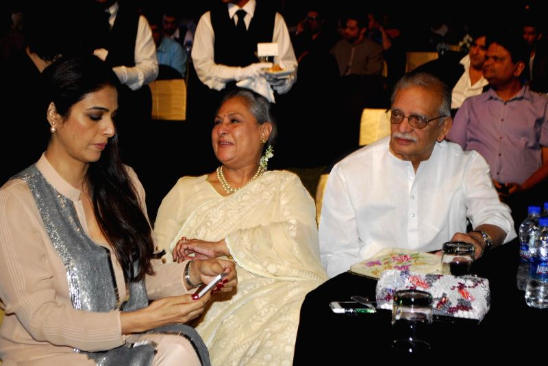 Lyricist and poet Gulzar, Actress Jaya Bachchan and Vidya Balan during the trailer launch of upcoming film Shamitabh and celebration of 1000 film of music composer Ilaiyaraaja in Mumbai on ... - Jaya Bachchan and Vidya Balan