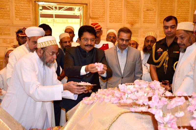 Maharashtra Governor C. V. Rao  pays tribute at the Raudat Tahera - the mausoleum of Syedna Taher Saifuddin and his son Syedna Mohammed Burhanuddin, the 51st and 52nd Da`i al-Mutlaqs of the .. - C. V. Rao