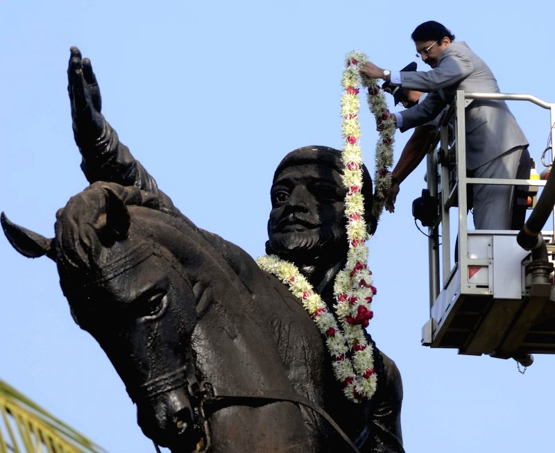 Maharashtra Governor Chennamaneni Vidyasagar Rao garlands a statue of  Chatrapati Shivaji on his birth anniversary  in Mumbai, on Feb 19, 2015. - Chennamaneni Vidyasagar Rao