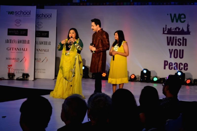 Mantra, Bharti Singh, Saloni during the the Global Peace Initiative, 2014 event in Mumbai on Nov 26, 2014. - Bharti Singh