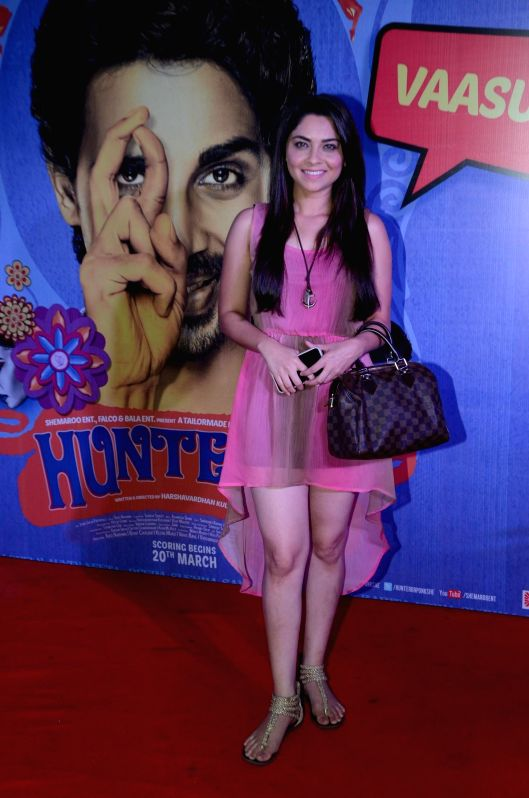 Marathi actor Sonali Kulkarni during the premiere of film Hunterrr in Mumbai on March 17, 2015. - Sonali Kulkarni