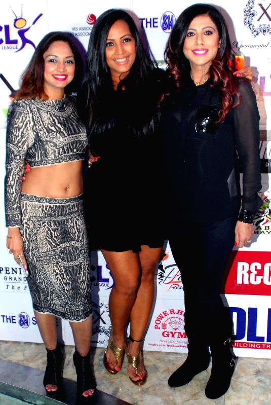 Marisa Verma, Meghna Naidu & Tinaa Ghaai during the launch of Dress and anthem of BCL team Kolkatta Babu Moshai at Peninsula Grand in Mumbai, on November 20, 2014. - Marisa Verma and Meghna Naidu