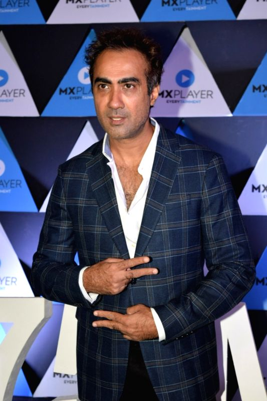 Mumbai, May 14 (IANS) Actor Ranvir Shorey is catching up on his fitness goals along with his father and his son amid the ongoing lockdown due to the coronavirus pandemic.