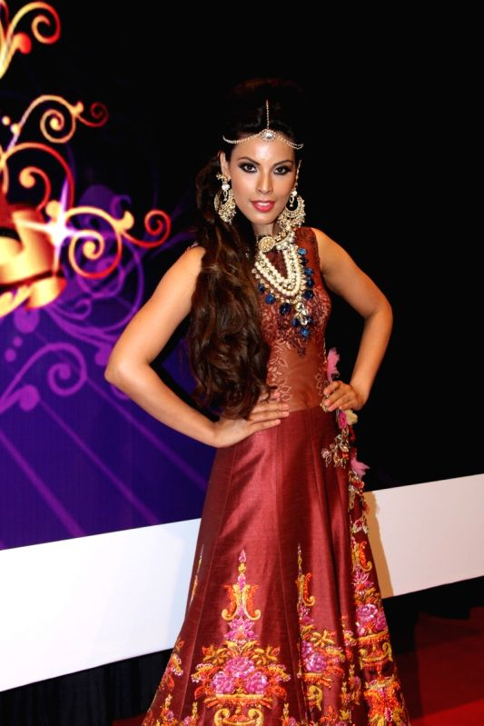 Model Deepti Gujral during the Makeup and Hair Styling Seminar in Mumbai on April 14, 2015. - Deepti Gujral