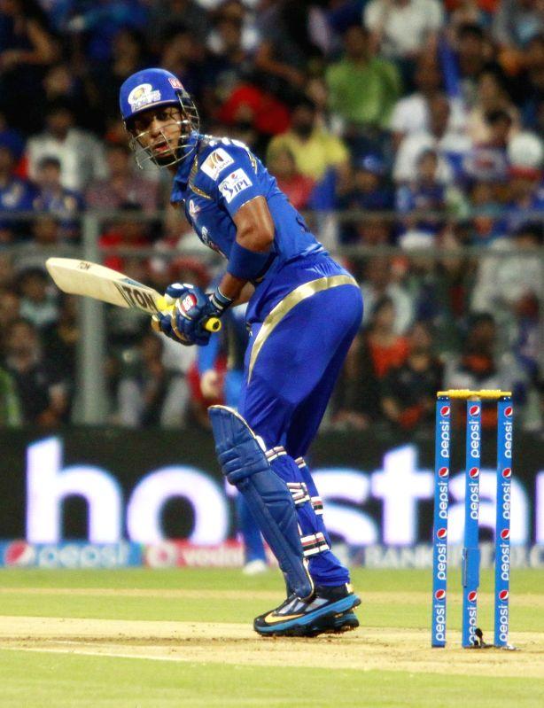 Mumbai Indians batsman Lendl Simmons in action during an IPL 2015 match between Rajasthan Royals and Mumbai Indians at the Wankhede Stadium in Mumbai, on May 1, 2015. - Lendl Simmons