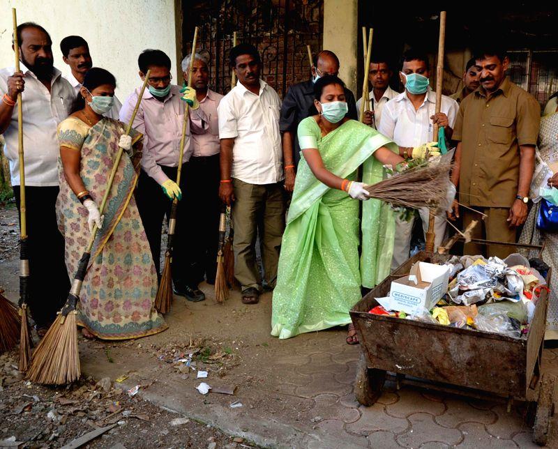 Mumbai Mayor Snehal Amberkar participates in Clean India Campaign in Sewri, Mumbai on Jan 10, 2015.