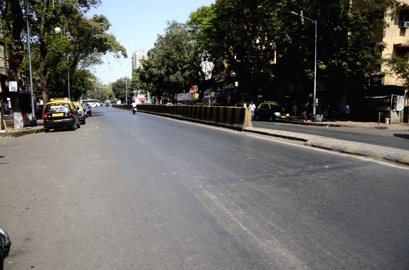Mumbai roads wear a deserted look during the ICC World Cup 2015 match between India and Pakistan on a large screen in Mumbai, on Feb 15, 2015.