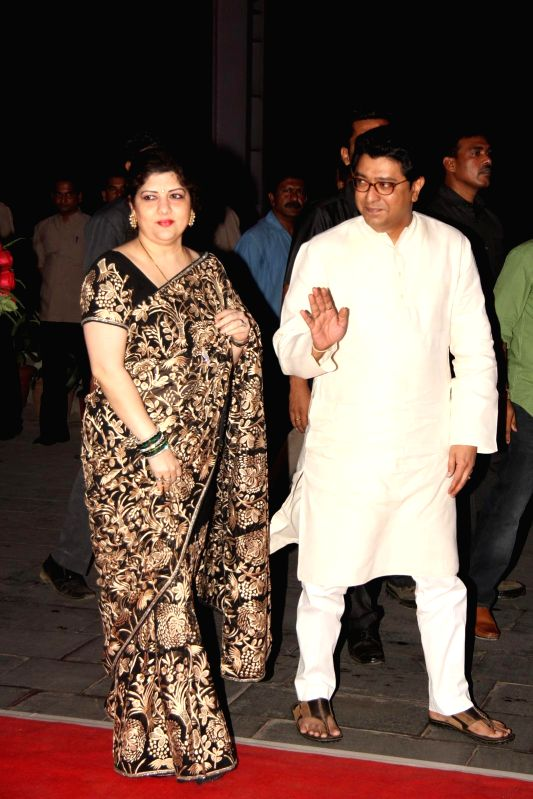 Navnirman Sena (MNS) chief Raj Thackeray along with his wife Sharmila Thackeray during Shatrugan Sinha's son Kush wedding reception in Mumbai, on Jan. 19, 2015. - Shatrugan Sinha