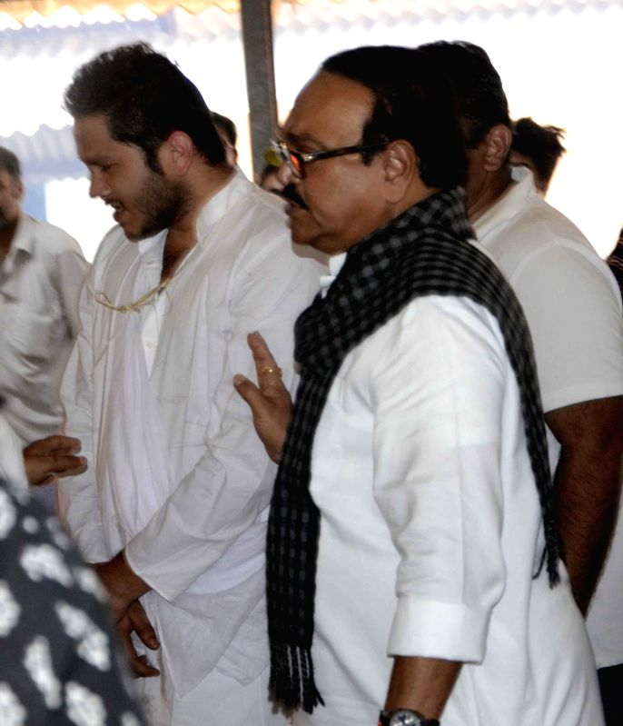NCP leader Chhagan Bhujbal arrives to pay his last respects to actress Nayantara Vora  in Mumbai, on Dec 1, 2014.