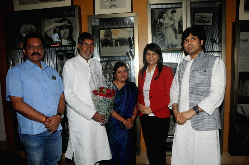 Nobel laureate Kailash Satyarthi meets the renowned radiologist and chairperson of the MedScapeIindia, Dr. Sunita Dube in Mumbai.