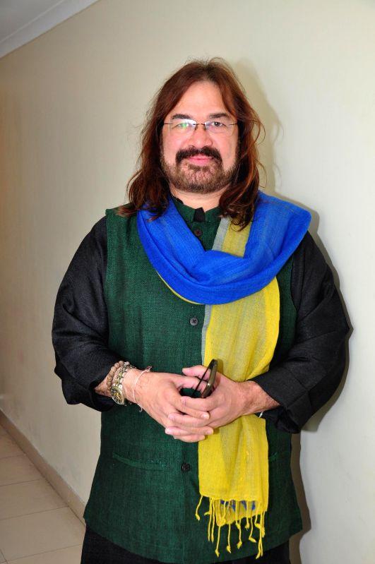 Pandit Vijay Ghate during a classical musical concert Mharo Pranam, a tribute to Thumri queen Shobha Gurtu in Mumbai on Dec 30, 2014.