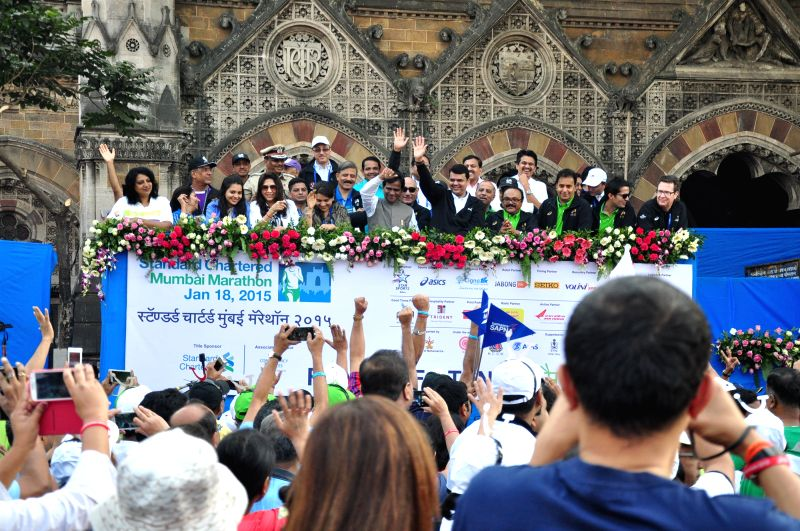 People and Celebrities participates in the Standard Chartered Mumbai Marathon 2015 in Mumbai on Jan 18, 2015.