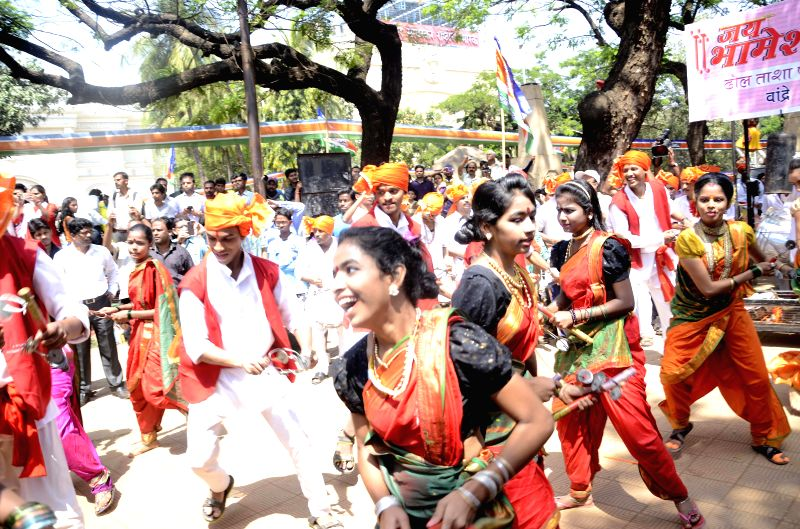 People celebrate Shivaji's birth anniversary during a programme organised by Maharashtra Navnirman Sena at Shivaji Park in Mumbai, on March 8, 2015.