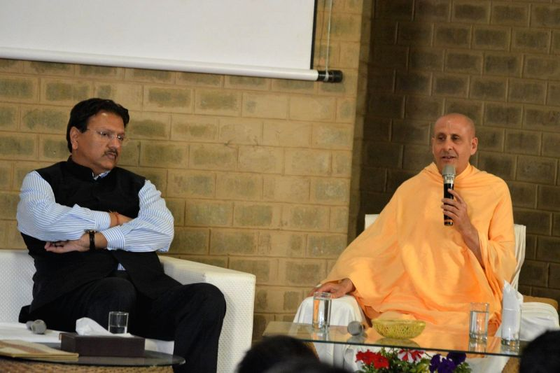 Piramal Group Chairmn Ajay Piramal with ISKCON spiritual leader Radhanath Swami during a programme organised by ISKCON in Mumbai, on Jan 11, 2015.