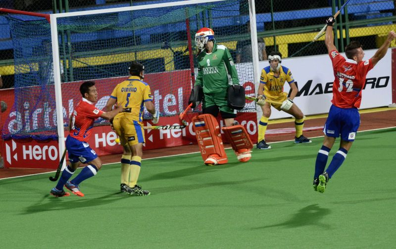 Players in action during a Hockey India League match between Dabang Mumbai and Punjab Warriors in Mumbai, on Jan 23, 2015.
