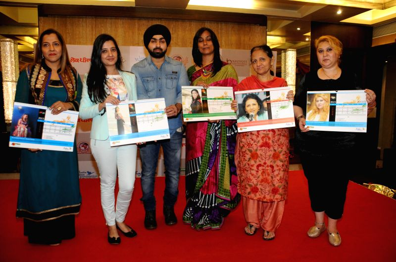 Prabhjot Raman Khurana, Amy Billimoria, Angad Singh, Rupinder Jagdish Shettiger, Seema Sehgal, & Parul Chawla Launching Calender during Women Power Calendar Launch 2015 in Mumbai on Jan .. - Angad Singh