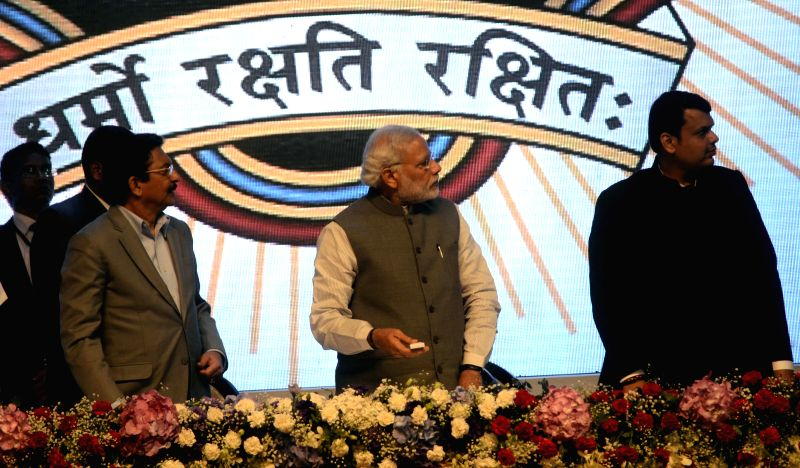 Prime Minister Narendra Modi addresses at the Sesquicentennial function of Advocates' Association of Western India, in Mumbai, Maharashtra on Feb 14, 2015. Also seen the Maharashtra Governor . - Narendra Modi and C. Vidyasagar Rao