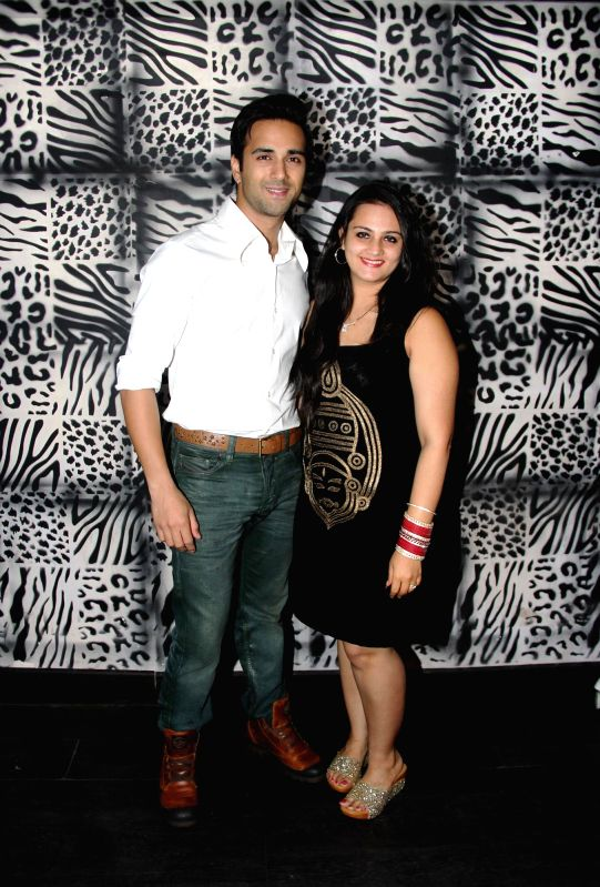 Pulkit Samrat with wife Shweta at Divya Khosla Kumar`s birthday bash in Mumbai, on November 20, 2014.