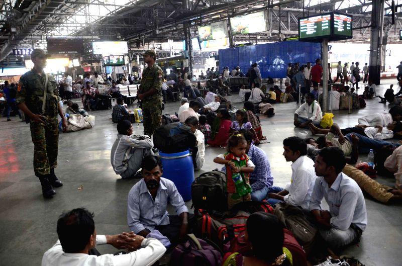 `Railway Security Force Commando` has recruit 40 commando on Chhatrapati Shivaji Terminus (CST) railway station on the occasion of 26/11 Terrorist attacked anniversary in Mumbai on Nov 22, ...