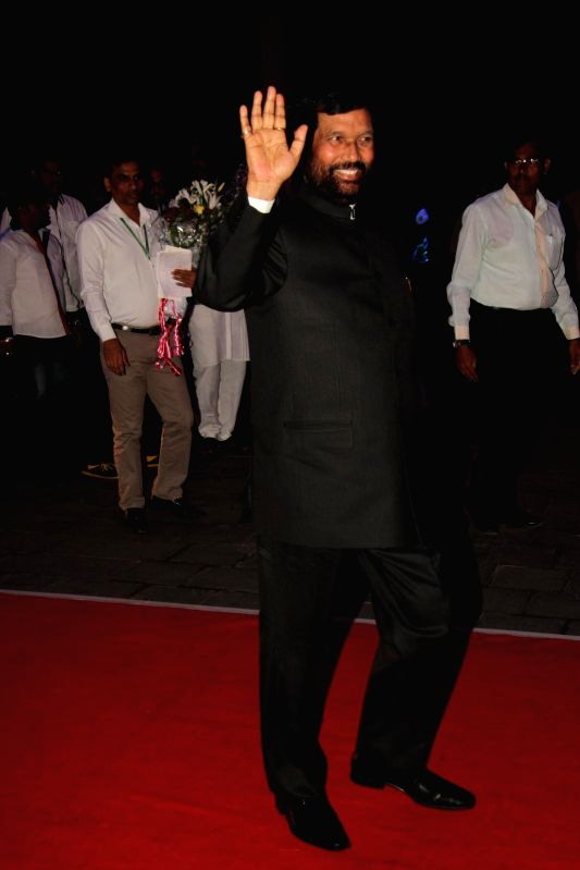 Ram Vilas Paswan, President, Lok Janshakti Party during Shatrugan Sinha's son Kush wedding reception in Mumbai, on Jan. 19, 2015. - Shatrugan Sinha