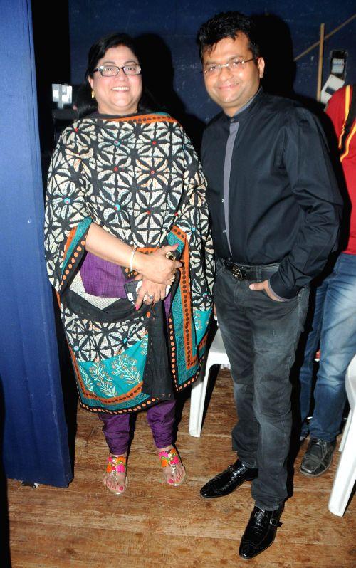 Rita Gupta with Aneel Murarka during the Cancer awareness event on the occasion of International Women`s Day by Savitri Pratishthan in Mumbai, on March 8, 2015. - Rita Gupta