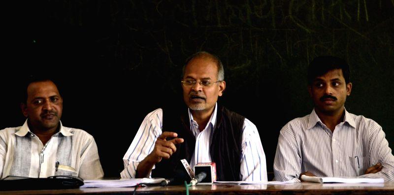 RTI activist Jammu Anand addresses a press conference regarding a Nagpur housing scam at Mumbai Marathi Patrakar Sangh in Mumbai, on March 2, 2015.