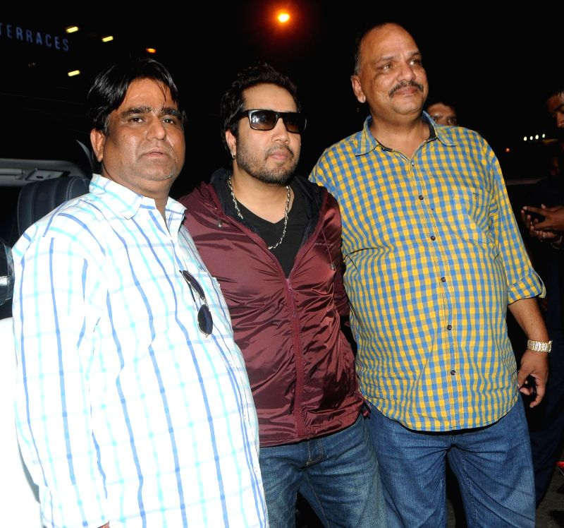 Sachindra Sharma with Mika Singh and Rakesh Jain during the trailer launch of film Mumbai Can Dance Saala in Mumbai, on Dec. 22, 2014. - Sachindra Sharma, Mika Singh and Rakesh Jain