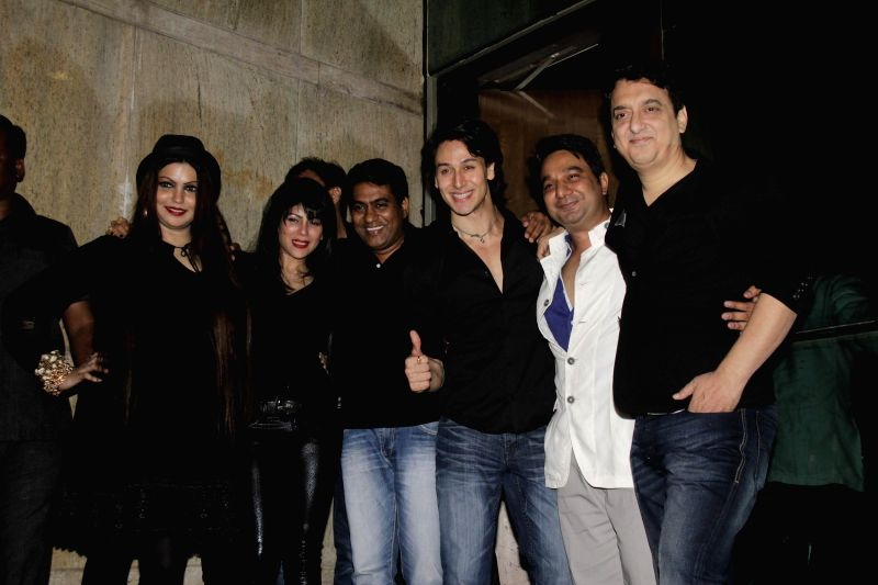 Sajid Nadiadwala and his wife Wardha Khan, Ahmed Khan and his wife Shahira Khan and Tiger Shroff during Ahmed Khan and Shahira Khan's wedding anniversary party in Mumbai on 7th, Feb. 2015. - Wardha Khan