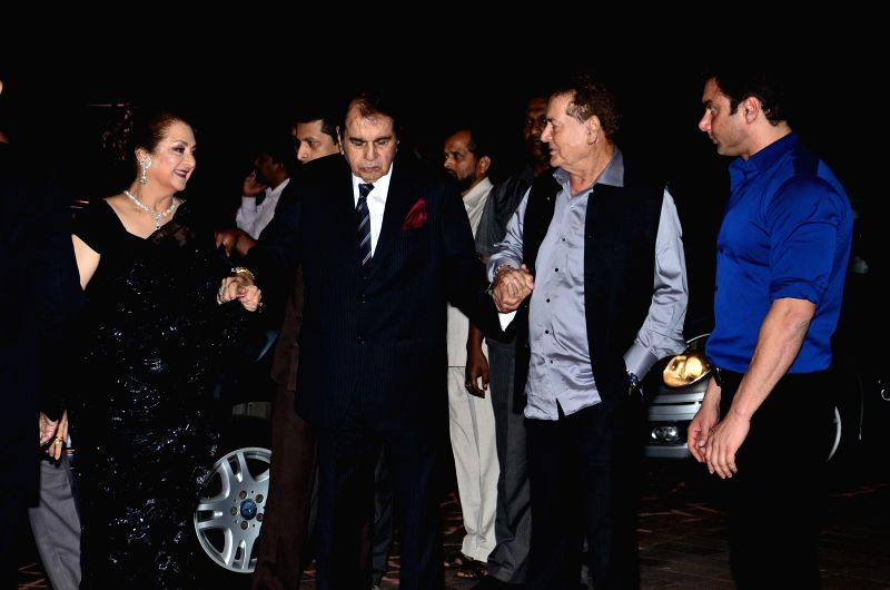 Screenwriter Salim Khan, actors Dilip Kumar, Sohail Khan and Saira Banu during Arpita Khan's marriage reception in Mumbai on November 21, 2014. - Dilip Kumar, Sohail Khan, Saira Banu and Salim Khan