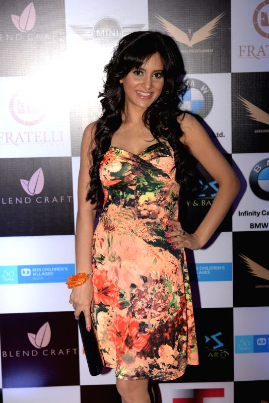 Shweta Khanduri during Rashmi Pitre's art collection showcase at the City Week Ender - A Perfect Luxury Mixer in Mumbai on Sunday, April 26th, 2015