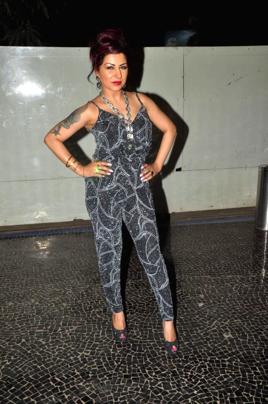 Singer Hard Kaur during the music launch of film Dilliwali Zaalim Girlfriend in Mumbai on March 9, 2015. - Hard Kaur