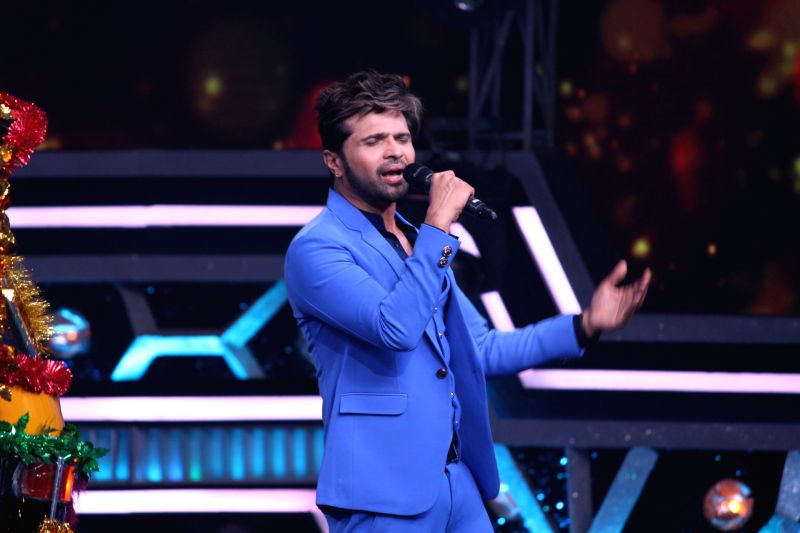 "Mumbai: Singer Himesh Reshammiya performs on the sets of dance reality show ""Super Dancer chapter 3"", in Mumbai on May 26, 2019."