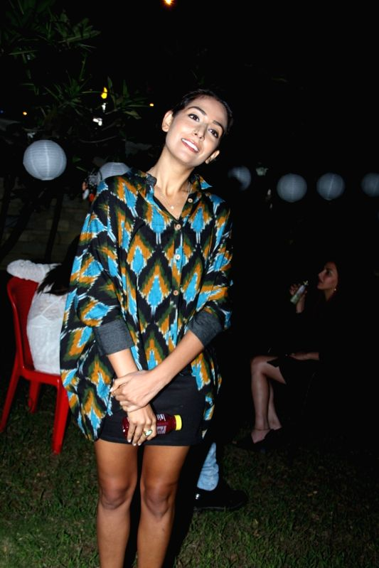 Singer Monica Dogra during the opening of Soapbox and Makeover Salon at Soham Spa in Mumbai on April 6, 2015.