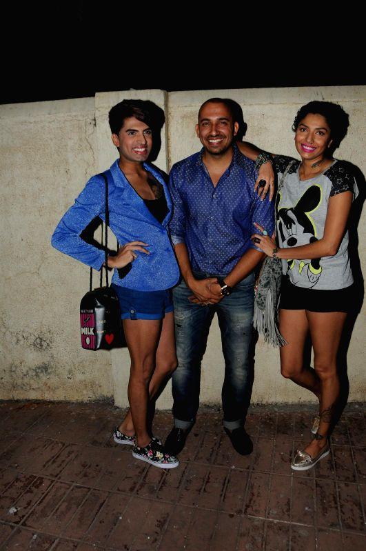 Sushant Digvikar, Ali Quli Mirza and Diandra Soares during Ali Quli Mirza's birthday bash in Mumbai on April 1, 2015. (Photo: IANS).