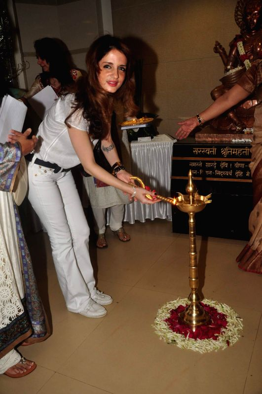 Suzanne Khan during the Inauguration of Exotic Bonsai and Ikebana Exhibition in Mumbai on Feb 27, 2015. - Suzanne Khan