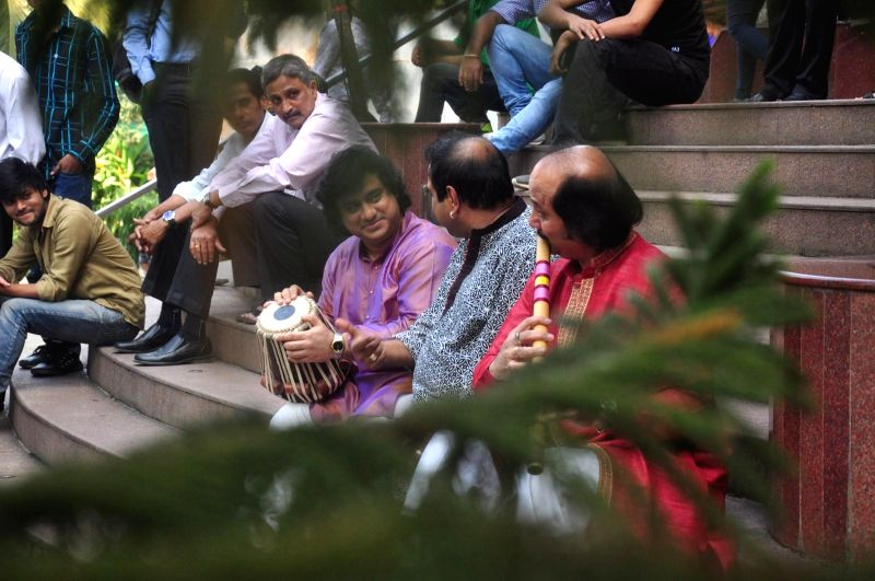 Tabla player Aditya Kalyanpur, Bollywood singer Shankar Mahadevan and Flute player Ronu Majumdar during the announcement of Swaranjali 2015 a three days music festival in Mumbai on Jan 6, ...