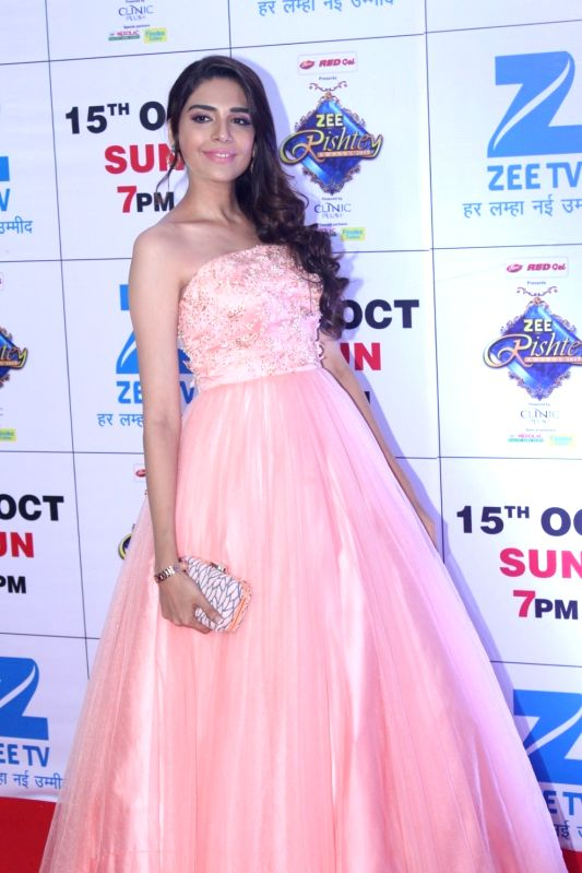 "Mumbai: Telelvision actress Anjum Fakih during the red carpet of the grand celebration of ""Zee Rishtey Awards"" 2017 in Mumbai on Sept 10, 2017."