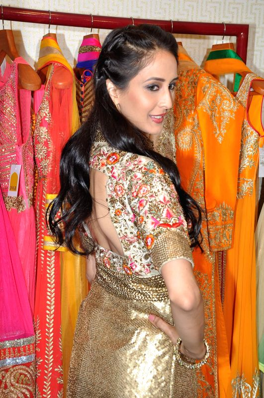 Television actor Chahat Khanna during the fashion preview at DVAR, in Mumbai on January 31, 2015. - Chahat Khanna