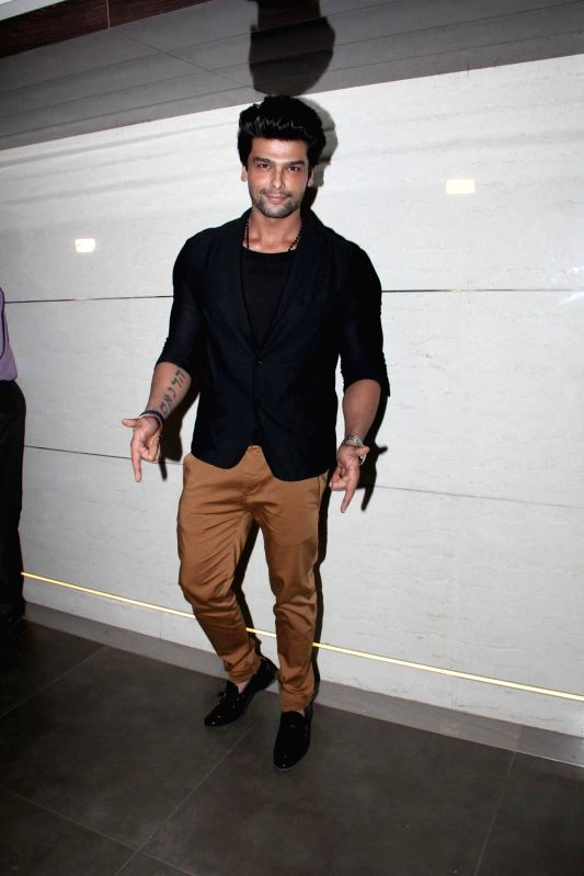 Television actor Kushal Tandon during the launch of Harry`s Bar in Mumbai, on March 19, 2015. - Kushal Tandon