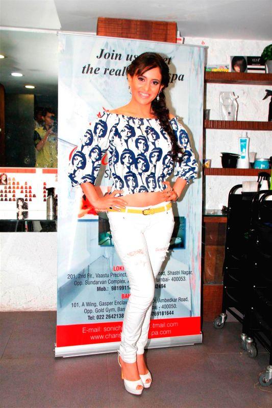 Television actor Shweta Khanduri during the Charisma Spa celebration of spas success spearheaded in Mumbai, on March 16, 2015. - Shweta Khanduri