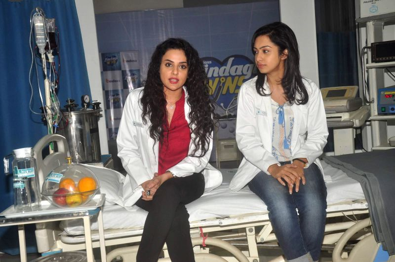 Television actors Abigail Pande and Sara Khan during the launch of new serial Zindagi Wins by Bindass channel in Mumbai on Feb 17, 2015. (Photo : IANS) - Abigail Pande and Sara Khan