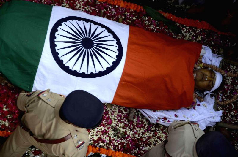 The body of veteran Congress leader and former union minister Murli Deora, who passed away at the age of  77 following a brief illness in Mumbai on Nov 24, 2014.